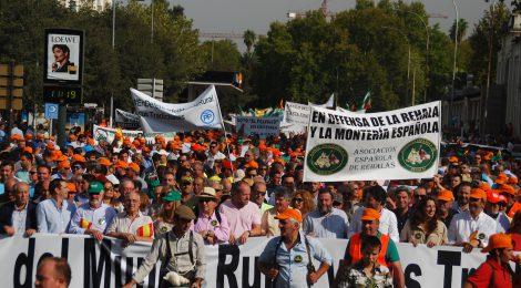 Más de 40.000 manifestantes participan en una jornada histórica para exigir respeto al Mundo Rural